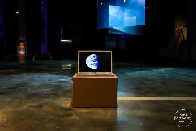 仿佛在科学仪器中寻找艺术体验,这场充满未来范的展览等你来探寻
