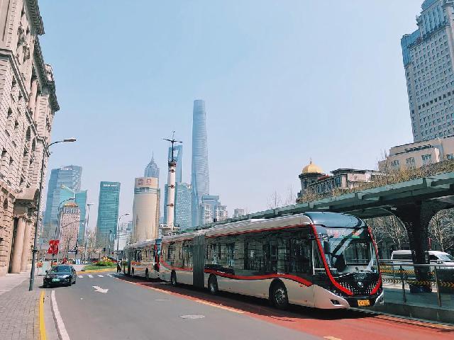 """上海""""中运量公交系统""""荣获国家优质工程奖,营运车速在不断提升!"""