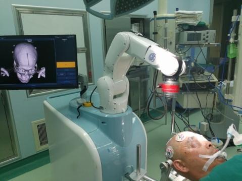 脑出血微创手术机器人来帮忙!未来机器人手术在神经外科领域应用将更广泛